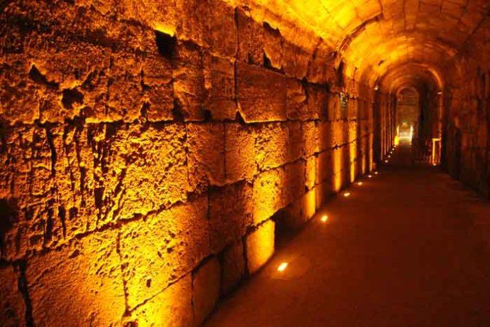 western-wall-underground-tunnel-jerusalem