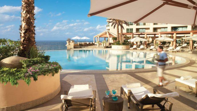 infinity pool at four seasons hotel alexandria egypt
